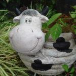 プランター 鉢カバー ウシ/春のカーディニングを楽しむ ♫